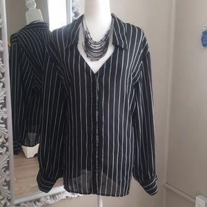 Newport News Button Down Sheer Casual Shirt sz 24